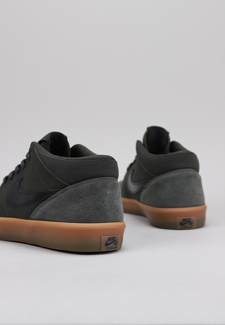 zapatos-hombre-nike-mens-nike-sb-solasoft-portmore-li-mid-skateboarding-shoe-
