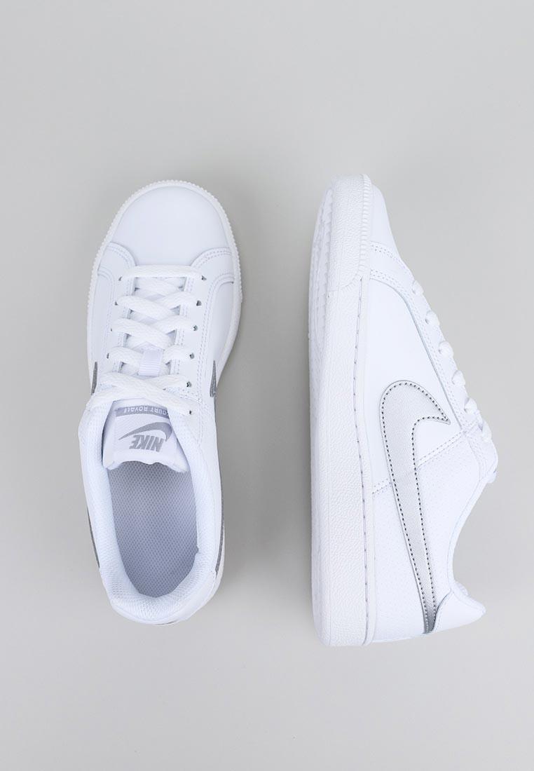 Court Royale Shoe