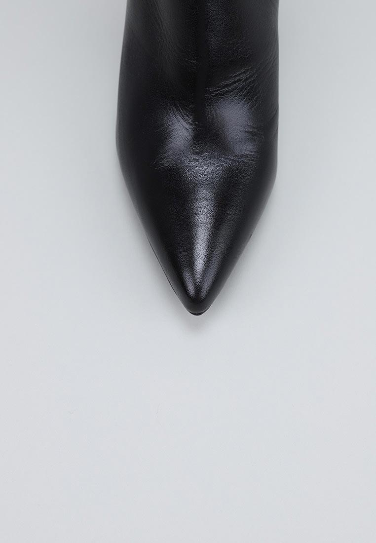sandra-fontán-retime-negro