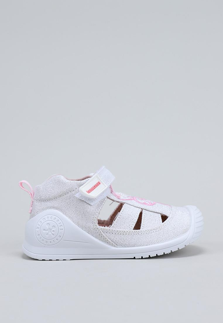 calzado-nina-biomecanics