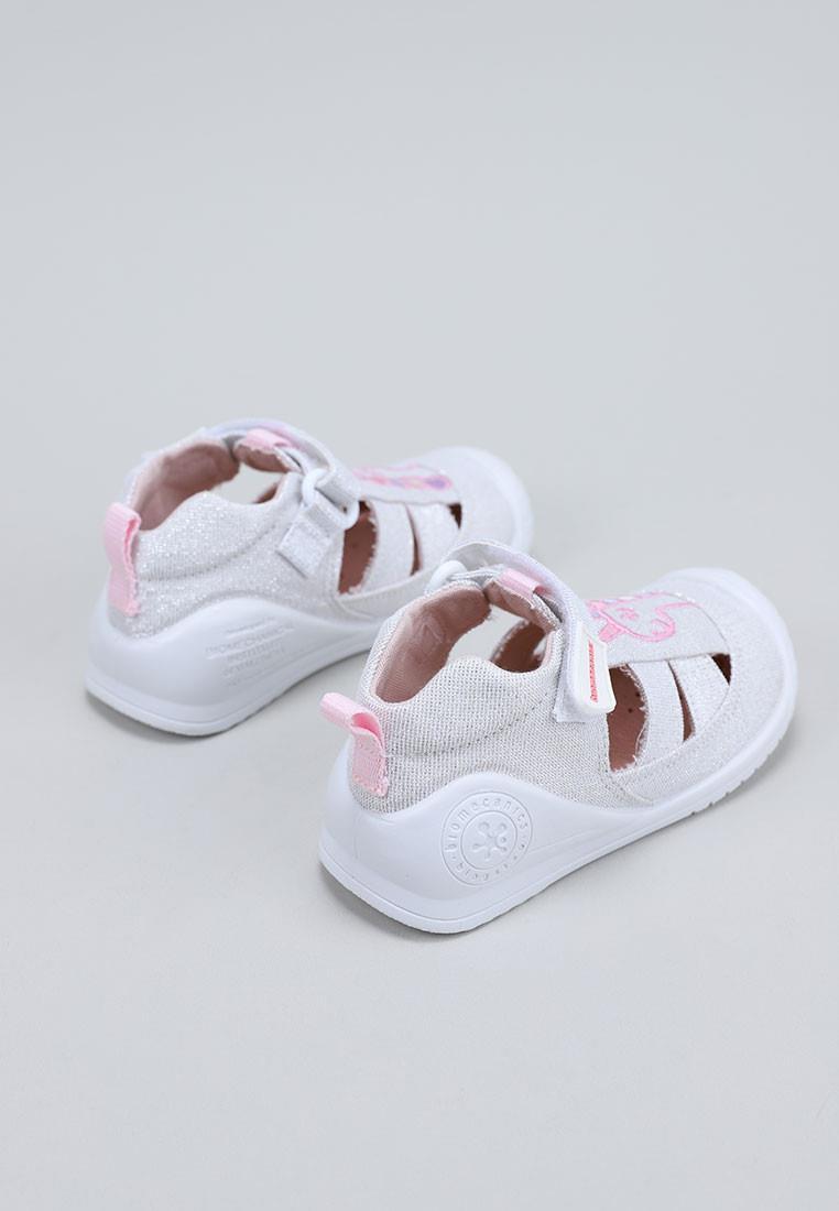 calzado-nina-biomecanics-plata