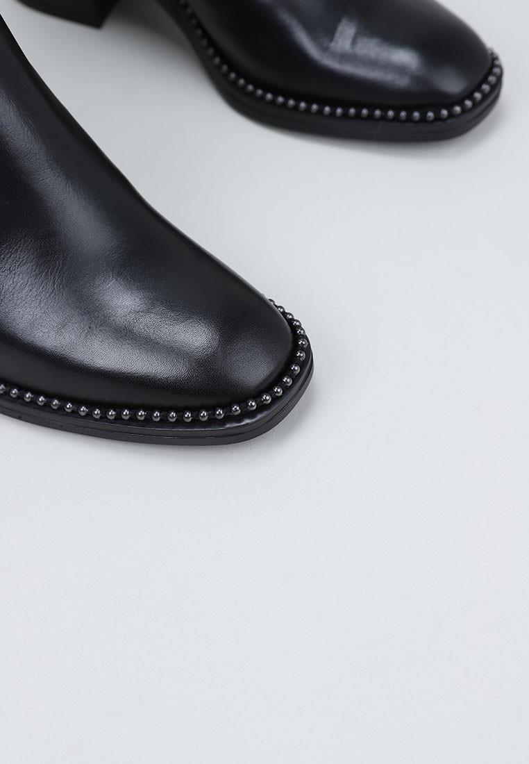 sandra-fontán-mariette-negro