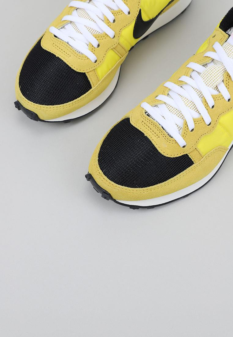 nike-challenger-amarillo