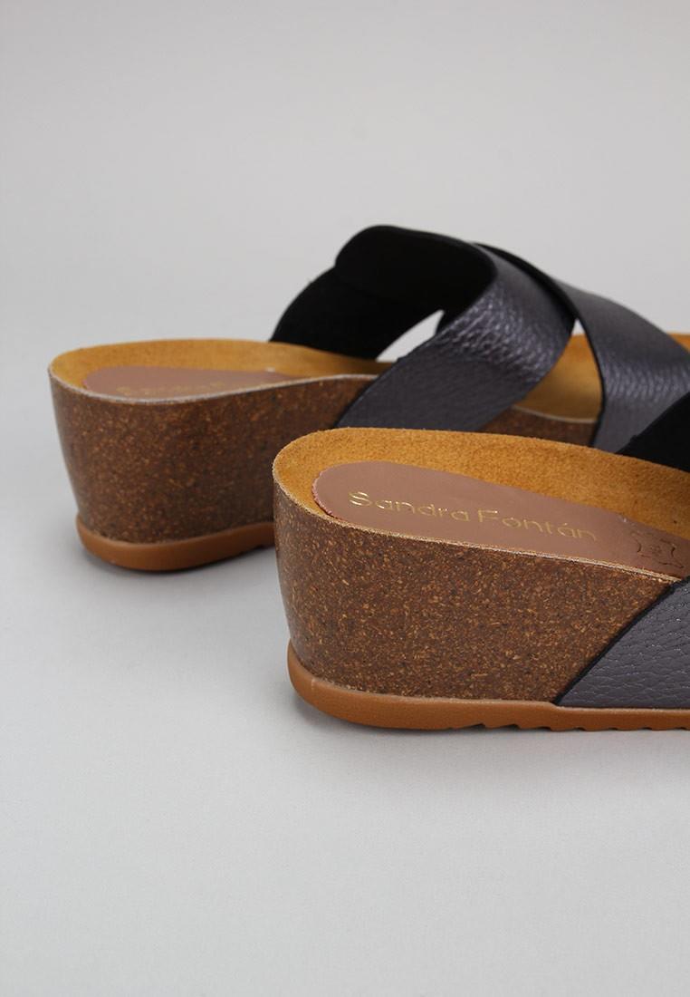 zapatos-de-mujer-sandra-fontán-plomo