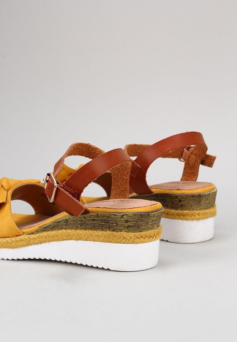 zapatos-de-mujer-isteria-mostaza
