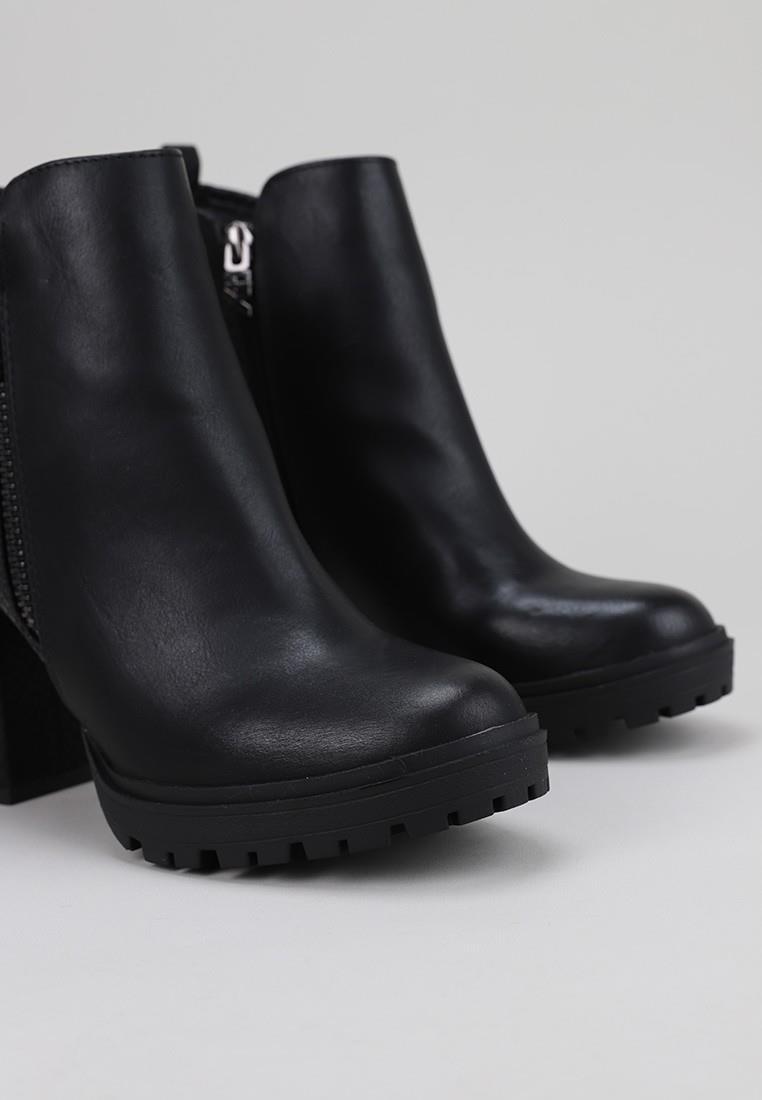x.t.i.-49451-negro