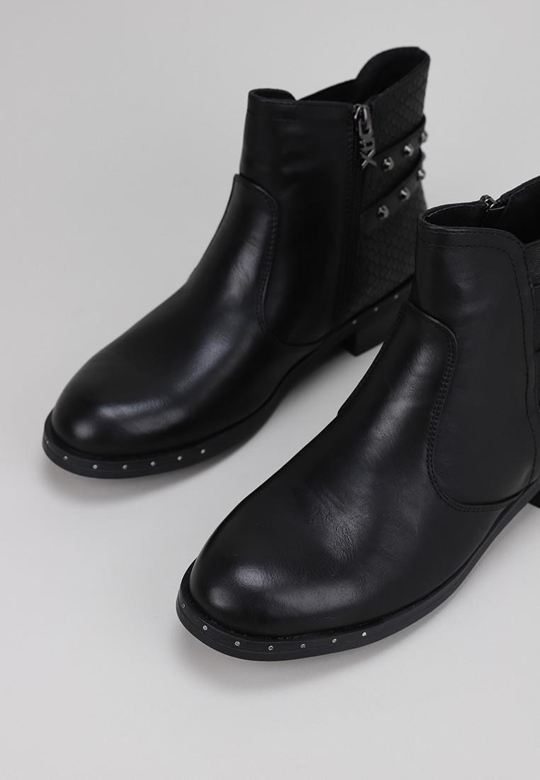 x.t.i.-49329-negro
