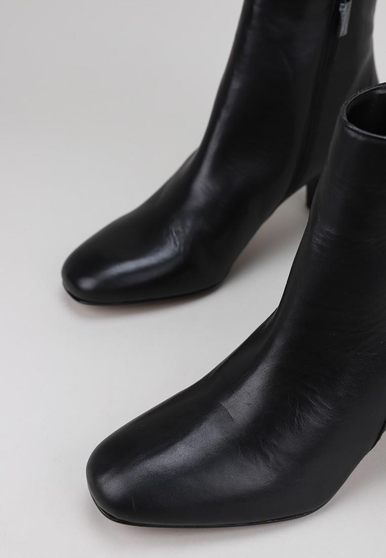 sandra-fontán-lissia-negro