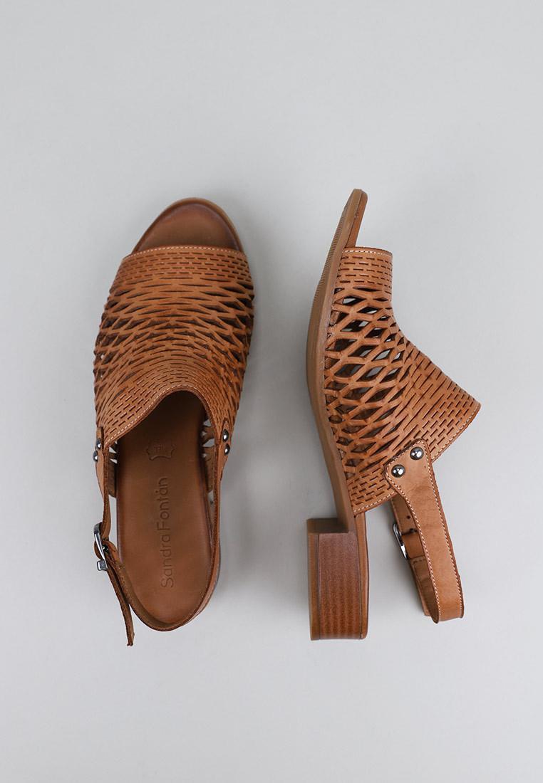 zapatos-de-mujer-sandra-fontán-claveles