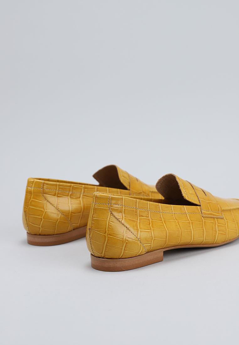 zapatos-de-mujer-bryan-amarillo