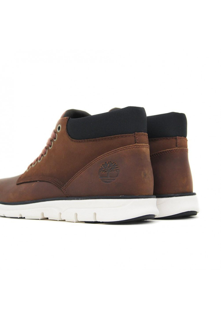 timberland-chukka-leather-marrón
