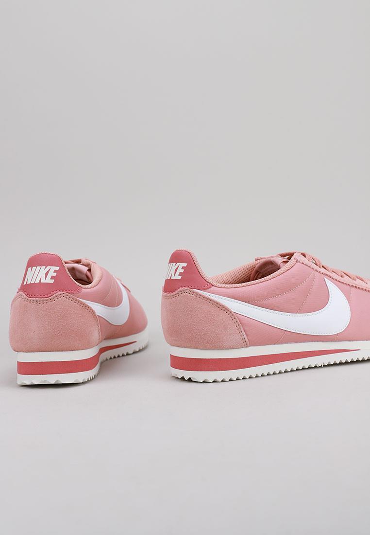 zapatos-de-mujer-nike-rosa