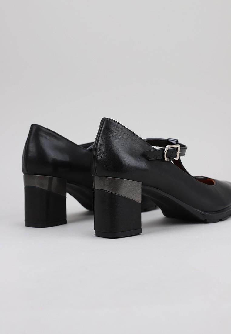 sandra-fontán-gilca-negro