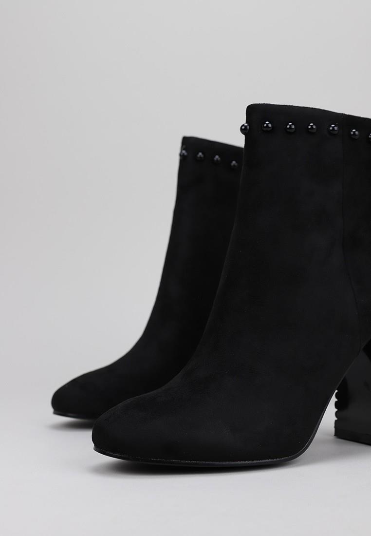 maria-mare-62632-negro