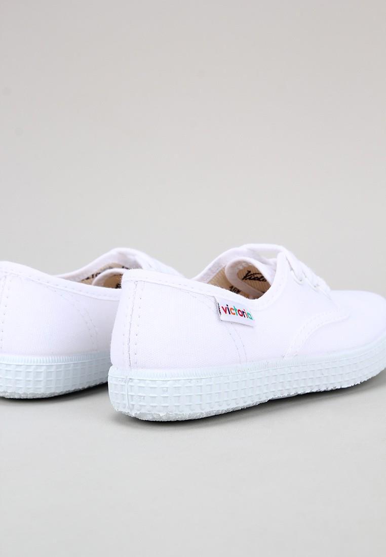 zapatos-para-ninos-victoria-blanco