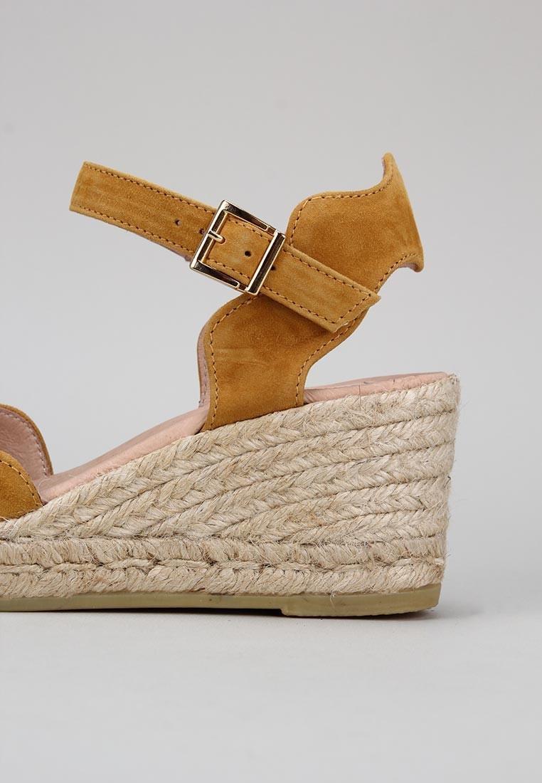 zapatos-de-mujer-gaimo-ocre