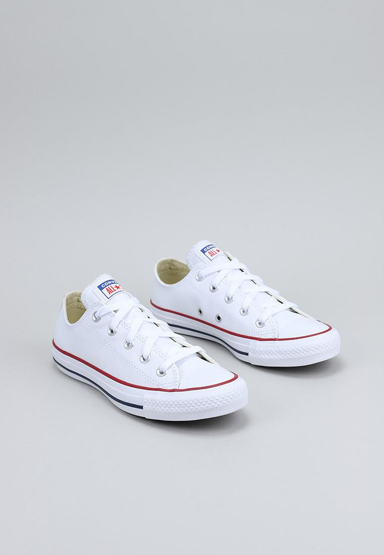 converse-chuck-taylor-all-star-leather