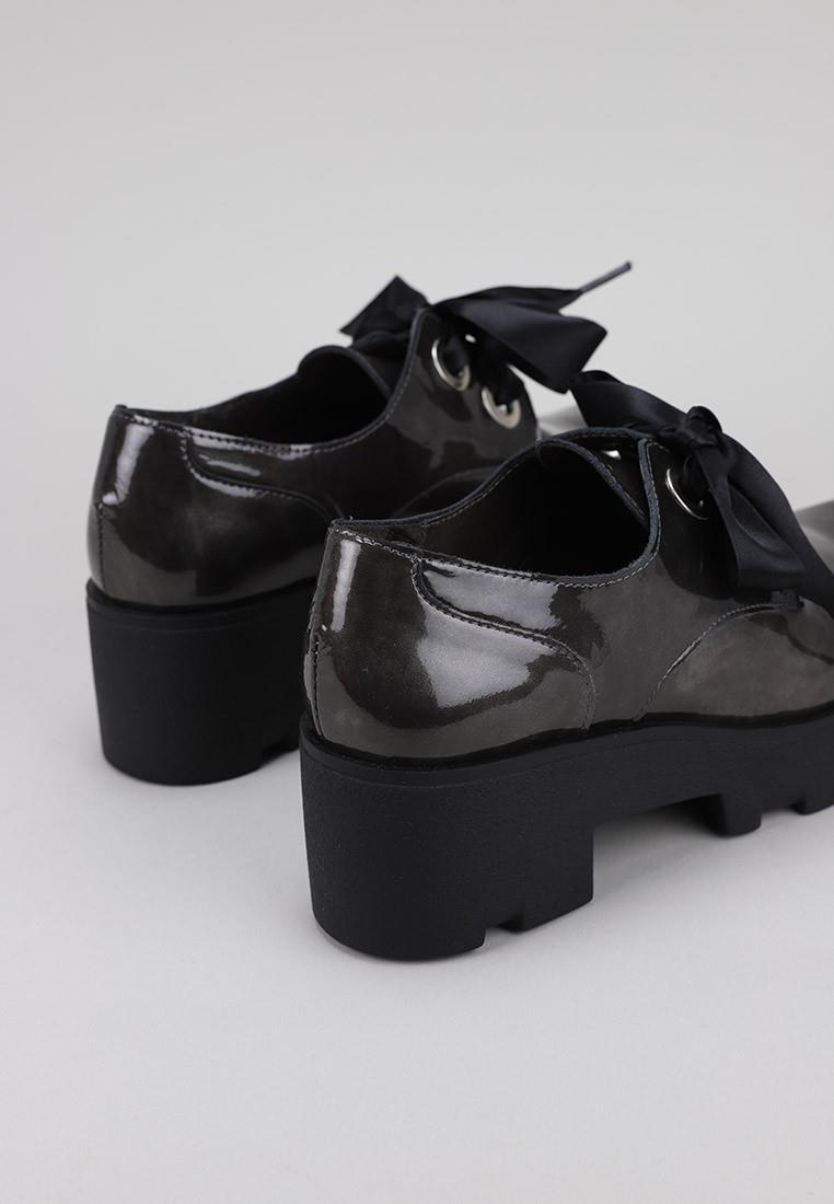 zapatos-de-mujer-bryan-stepwise-gris