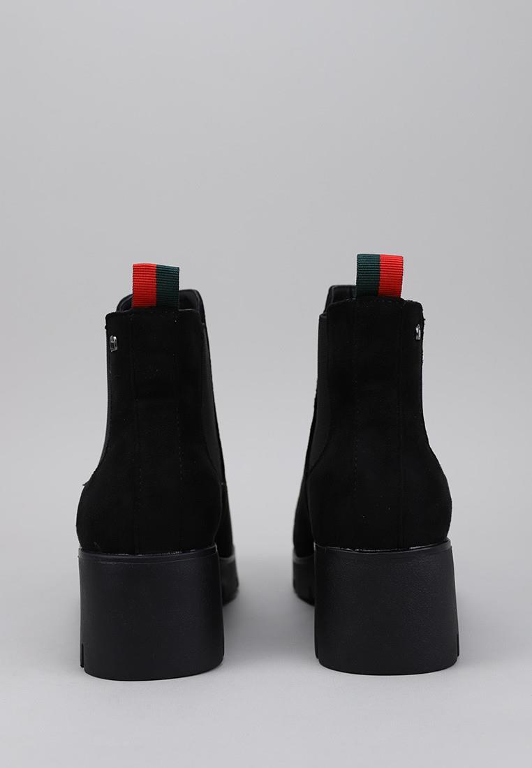 mustang-58853-negro