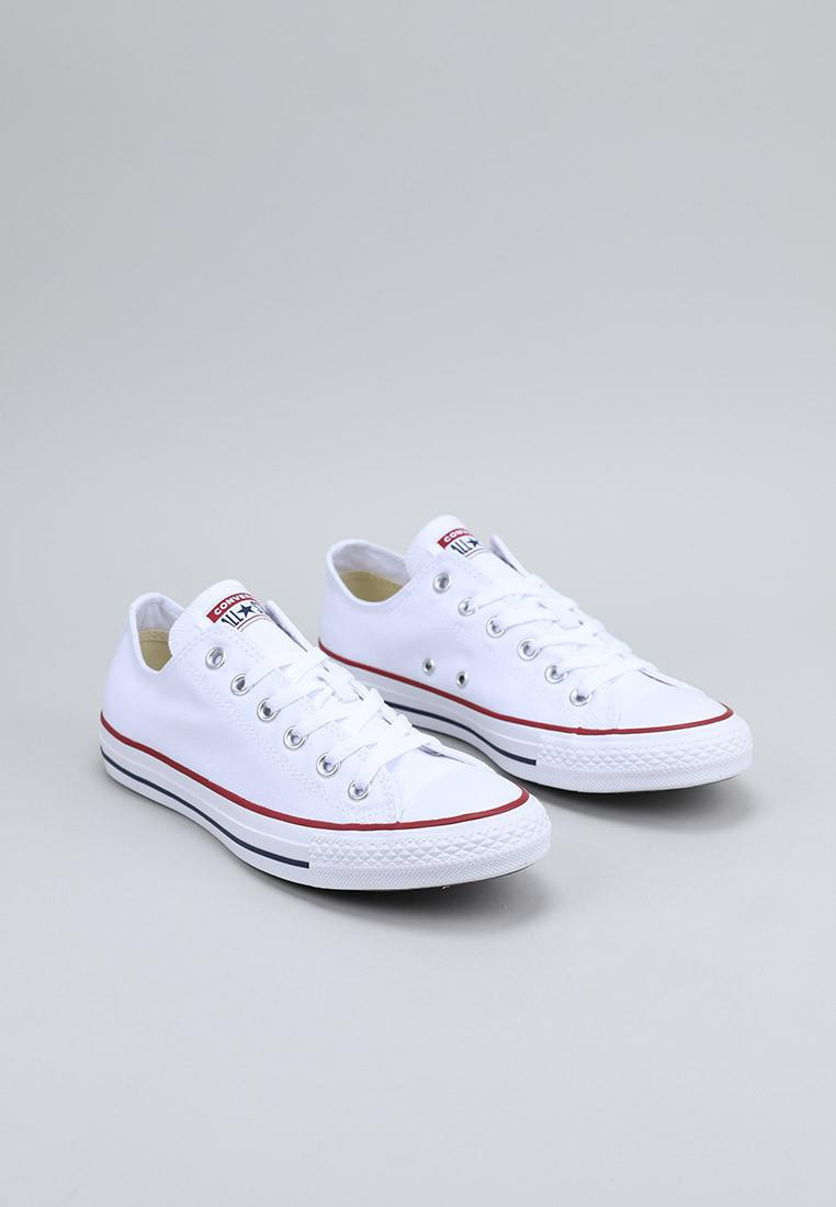 converse-chuck-taylor-all-star-classic-low-top