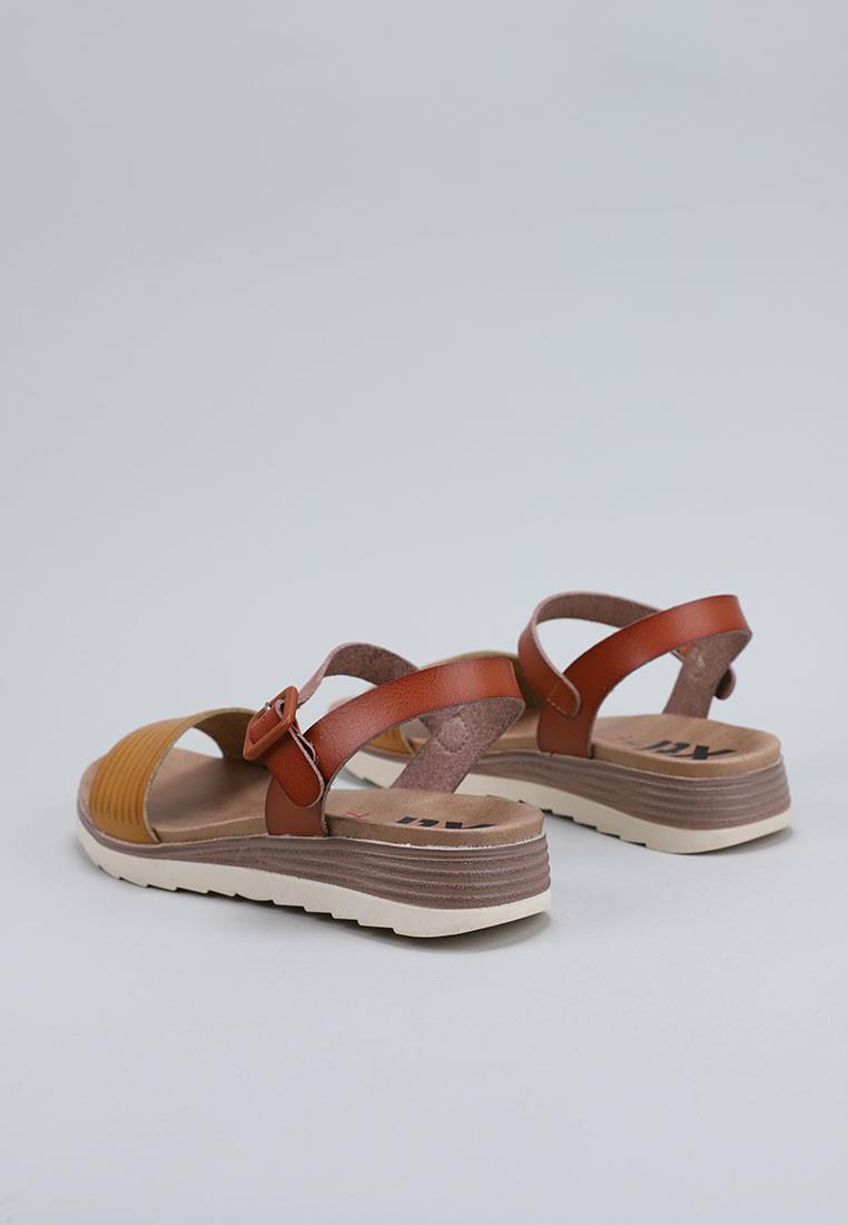 zapatos-de-mujer-x.t.i.-amarillo