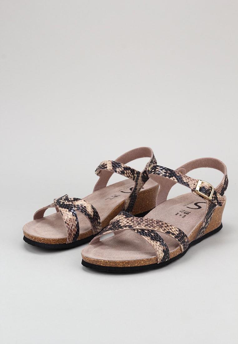 senses-&-shoes-alyssa-