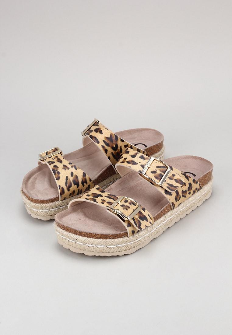 senses-&-shoes-tika
