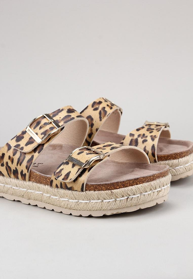 senses-&-shoes-tika-leopardo