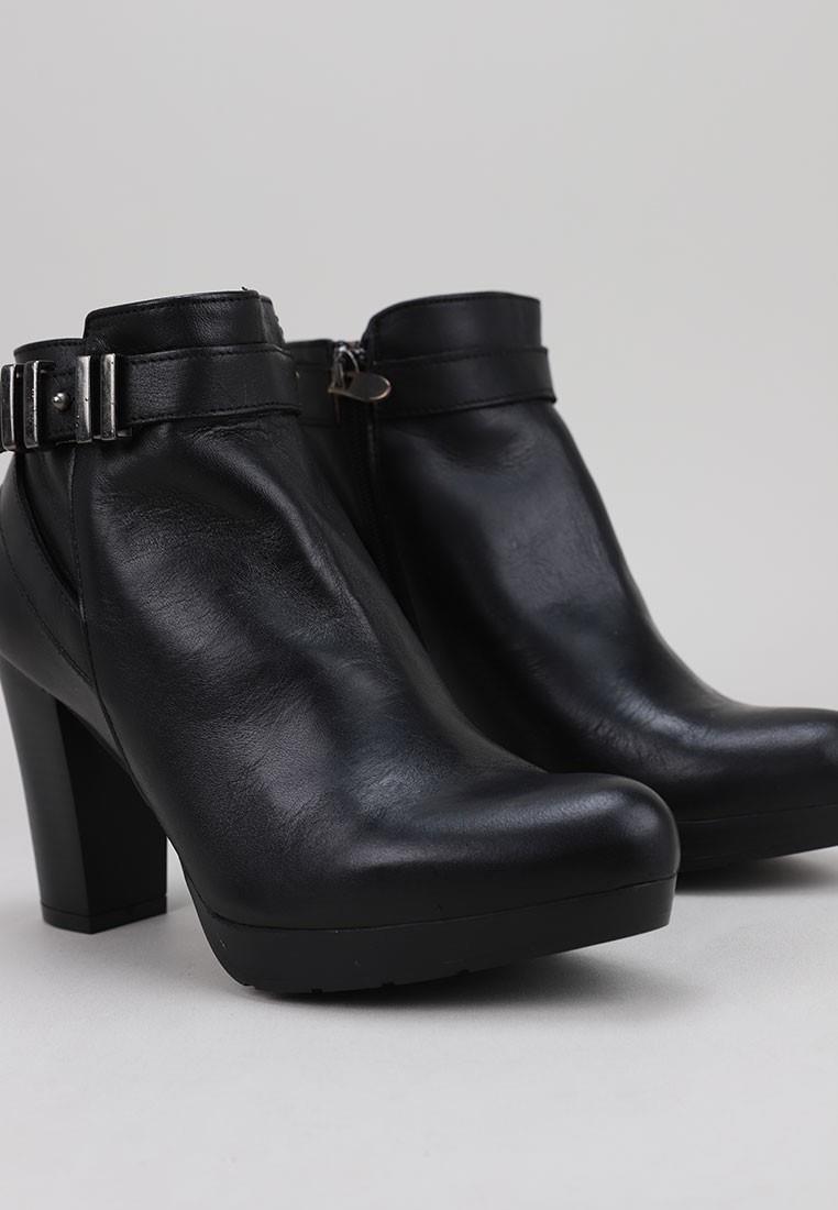 sandra-fontán-2172-negro