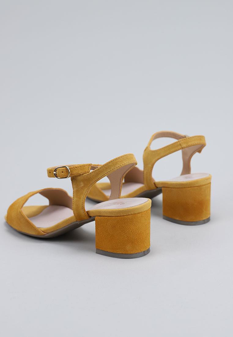 zapatos-de-mujer-sandra-fontán-amarillo