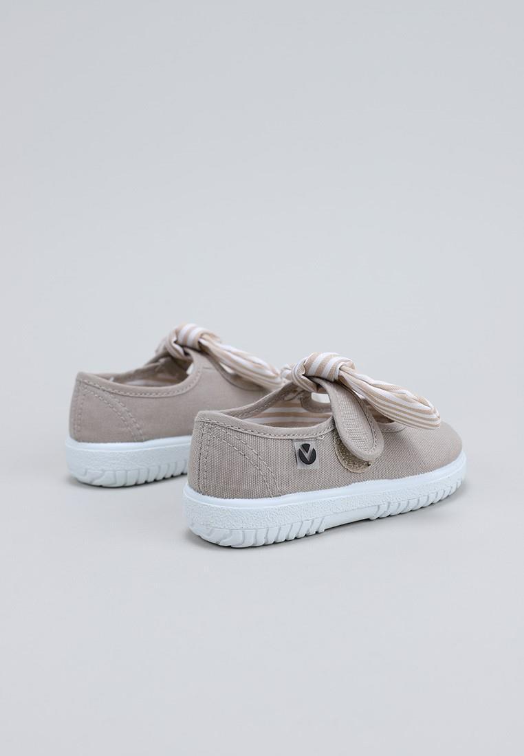 zapatos-para-ninos-victoria-beige