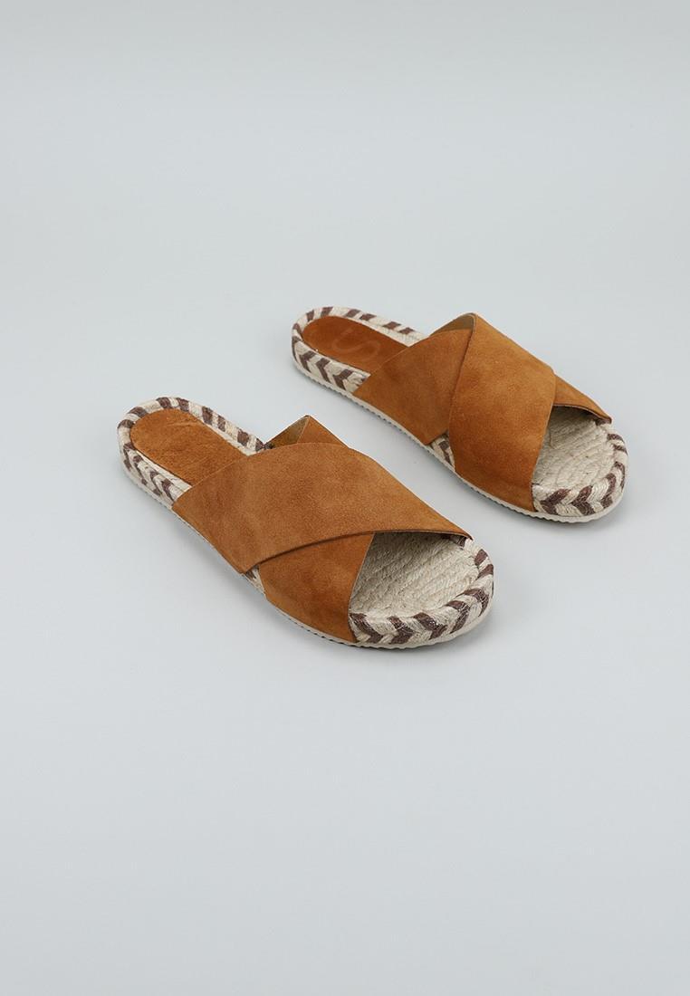 senses-&-shoes-piley