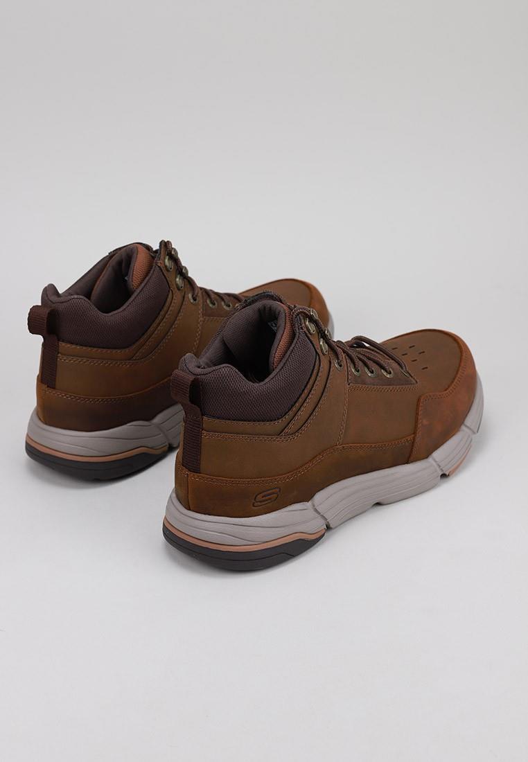 zapatos-hombre-skechers-marrón