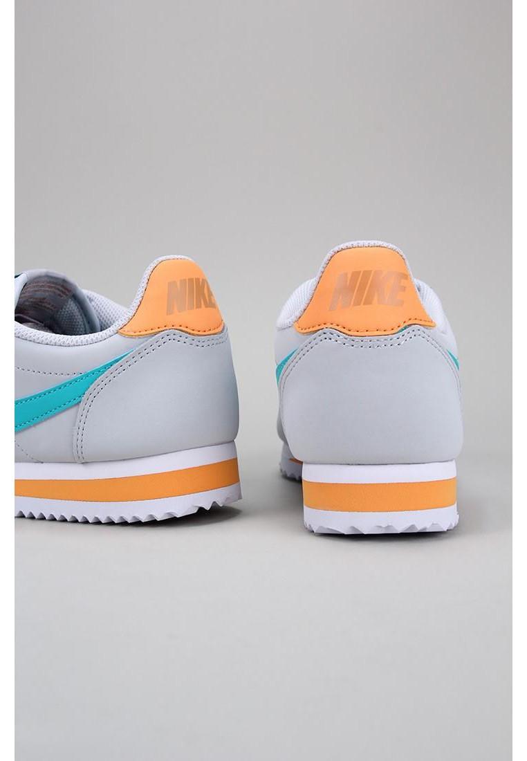 zapatos-de-mujer-nike-gris
