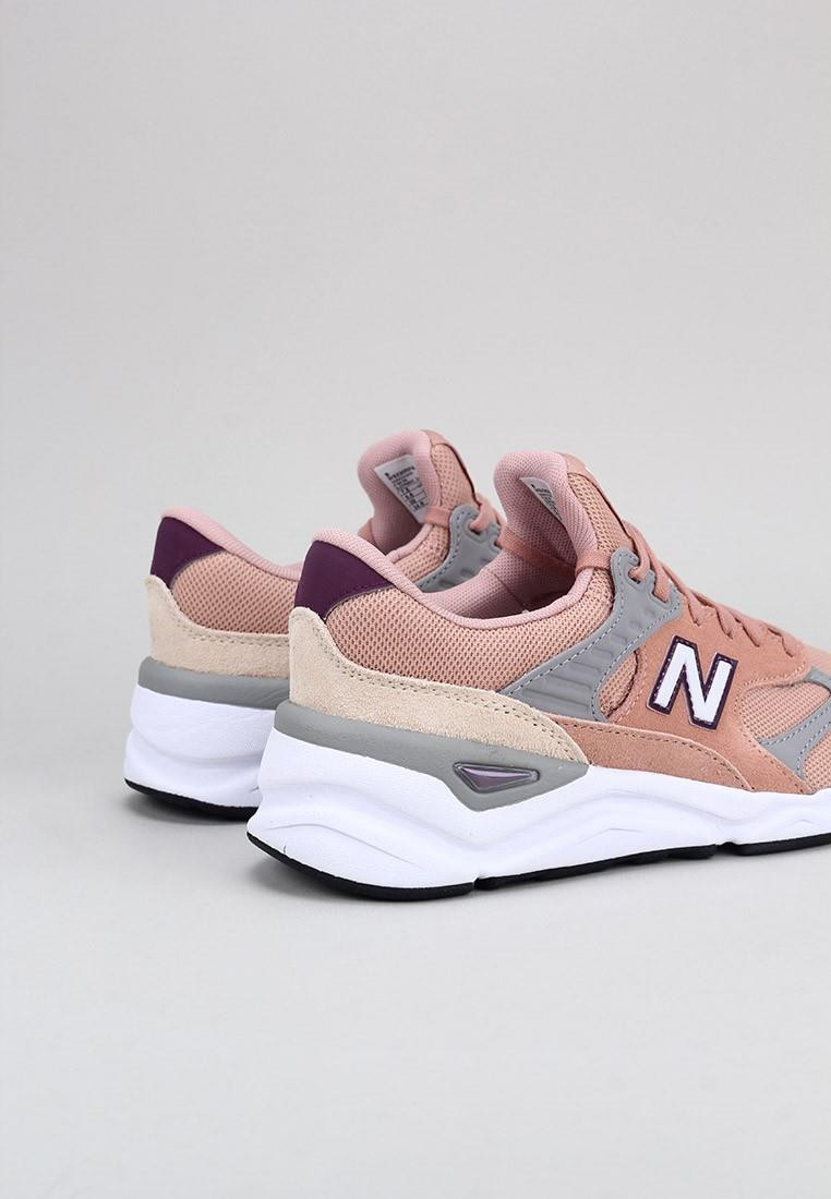 zapatos-de-mujer-new-balance-rosa