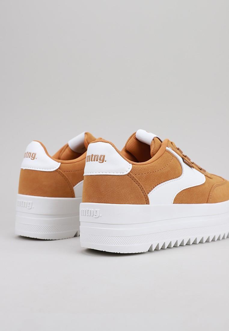 zapatos-de-mujer-mustang-mostaza