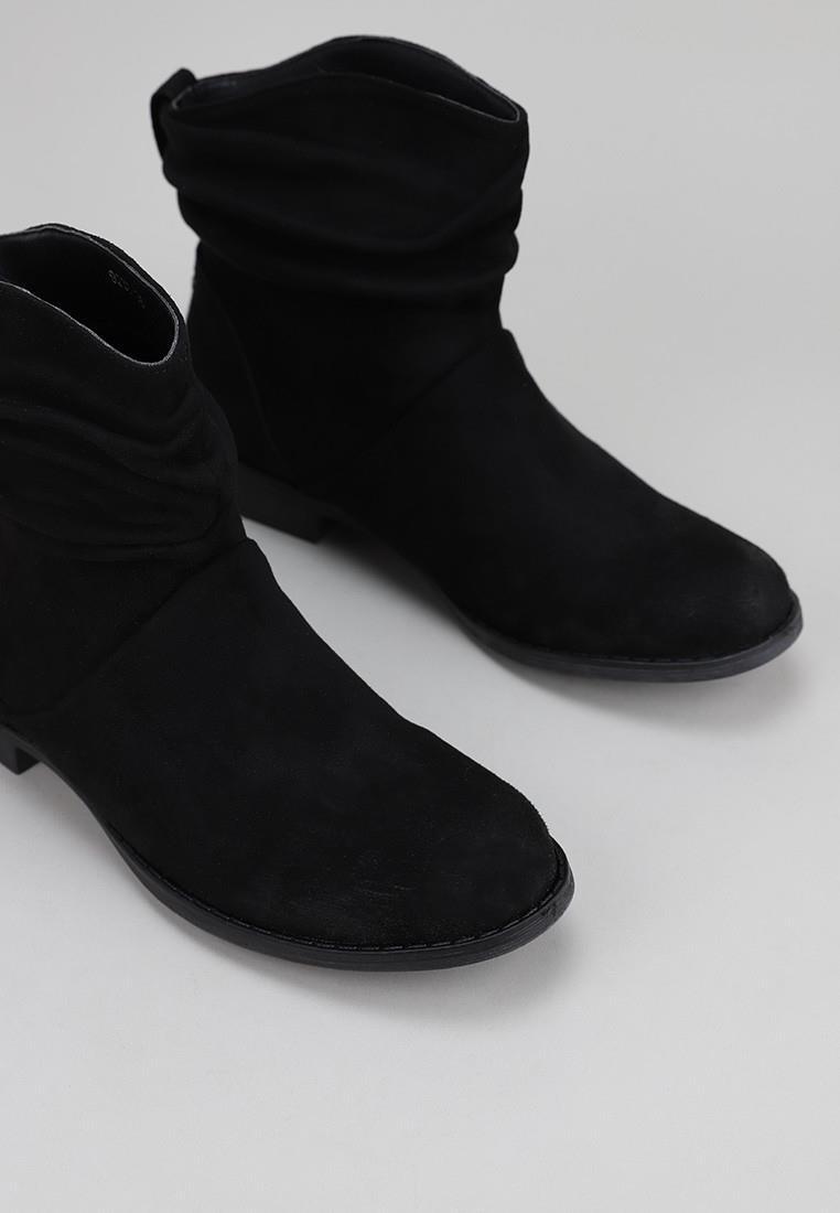 isteria-9230-negro