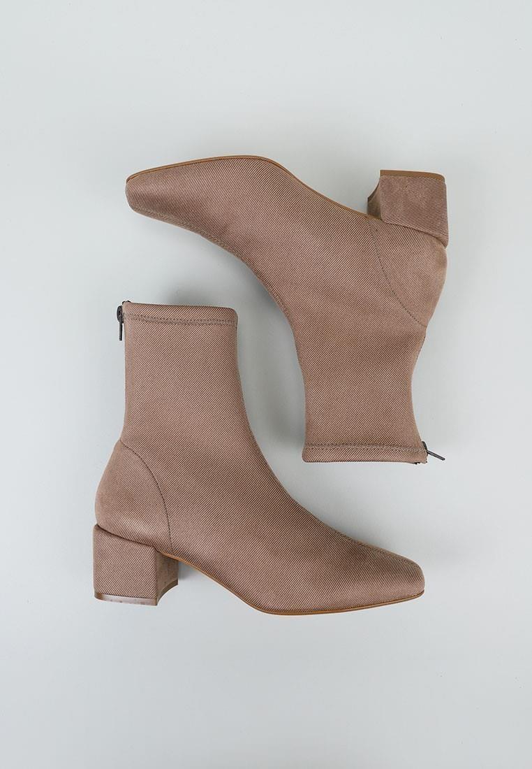 botines-de-tacon-botines-altos-sandra-fontán-lyra-